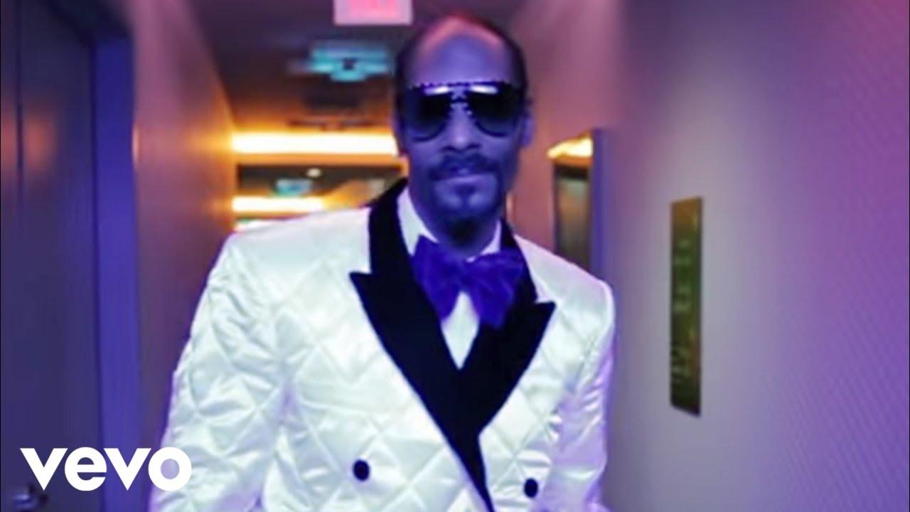 Download Snoop Dogg - 'Sweat' Snoop Dogg vs David Guetta (Remix) [Official Video]