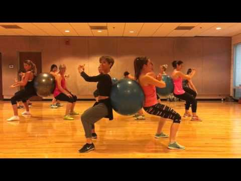 """EX'S AND OH'S"" Elle King - Partner Workout with Stability Ball Dance Fitness Valeo Club"