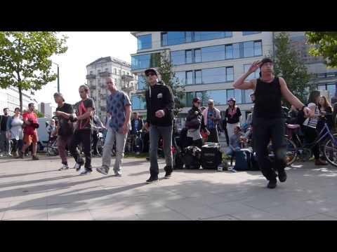 Break-Dance Performance in Berlin