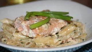 Grilled Salmon On A Bed Of Creamy Pasta - Saumon Grillé Sur Un Lit De Pâtes à La Crème