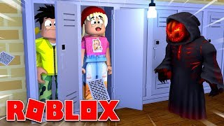 I AND TOMU GET HUNTED IN ROBLOX!
