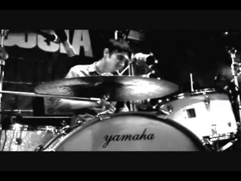 División Minúscula - Negligencia - Universal Music Group