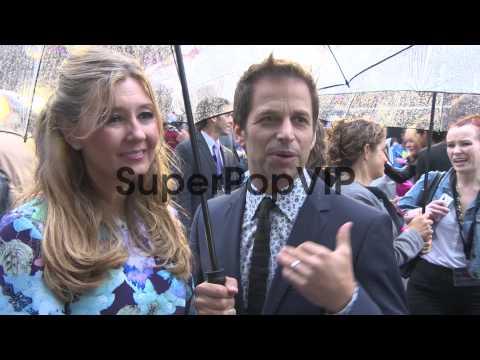 INTERVIEW - Zack Snyder, Deborah Snyder on his approach t...