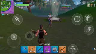 Getting carried by a pro on Fortnite Mobile!