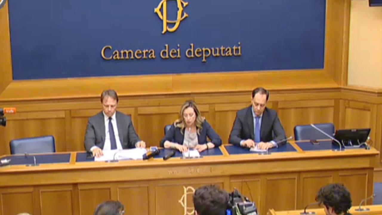 Giorgia meloni conferenza stampa dalla camera dei for In diretta dalla camera dei deputati