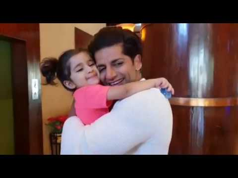 Aww ! Karanvir meets his twin daughter after coming out of Big Boss 12 |Her reaction