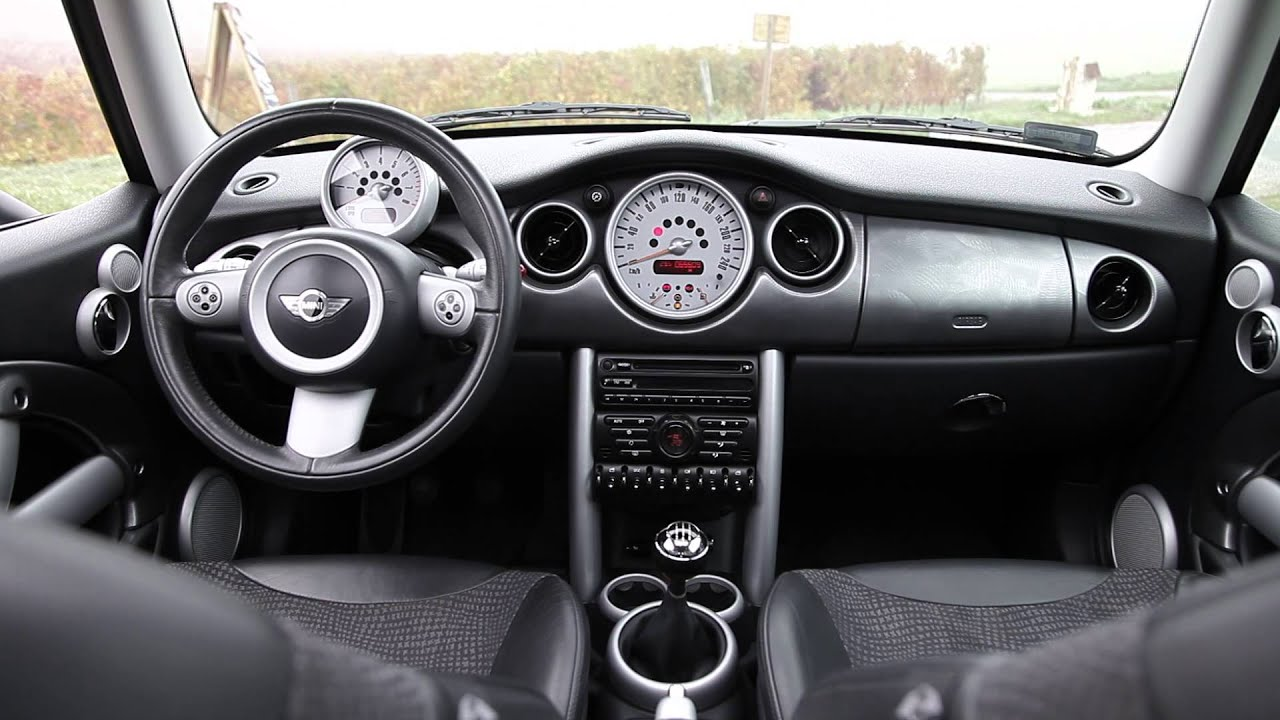 mini cooper 1 6 16v auto youtube. Black Bedroom Furniture Sets. Home Design Ideas