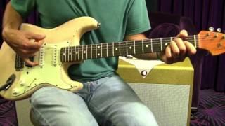100 Riffs – wie man erstellen Sie Ihre eigenen klassischen licks -- Greatest Rock' N ' Roll Gitarre