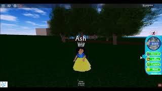 Making disney princess in roblox (Royal High)