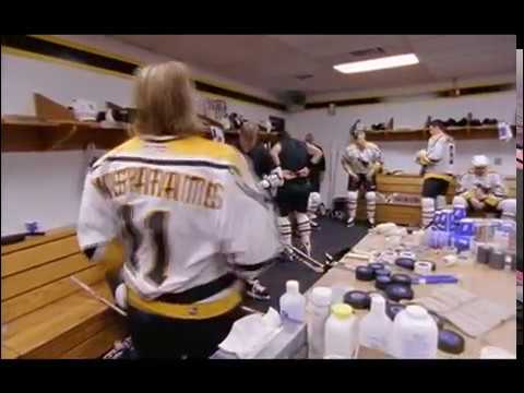 Darius Kasparaitis argues with Jaromir Jagr in the locker room (2000)