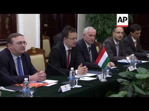 Hungary and Vietnam FMs meet in Hanoi