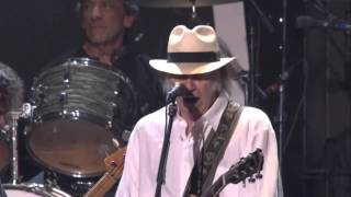 Neil Young & Crazy Horse - I Saw Her Standing There