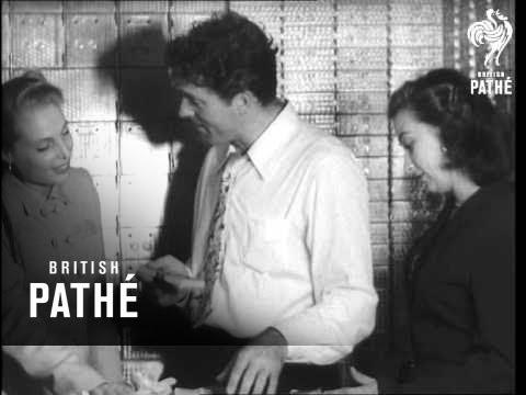 Burt Lancaster Counts The Money (1940)