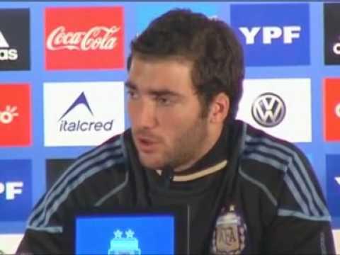 Higuaín: Argentina press conference (English)