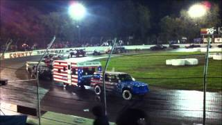 Figure 8 Trailer Race Most Redneck Thing You Will Ever SEE!!!