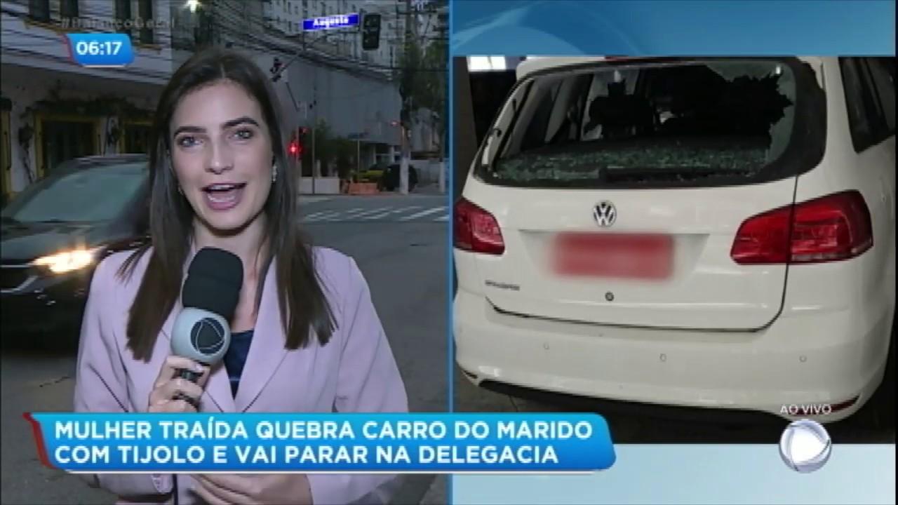 MULHER DESTRÓI O CARRO DO MARIDO APÓS DESCOBRIR TRAIÇÃO
