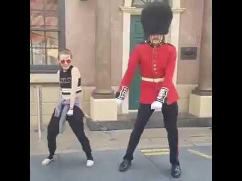 Royal Security Guard Can Dance