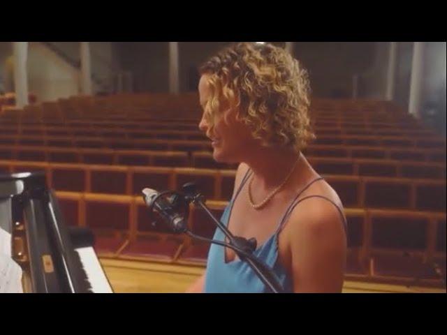 Victoria Klewin - Solo Piano Vocalist