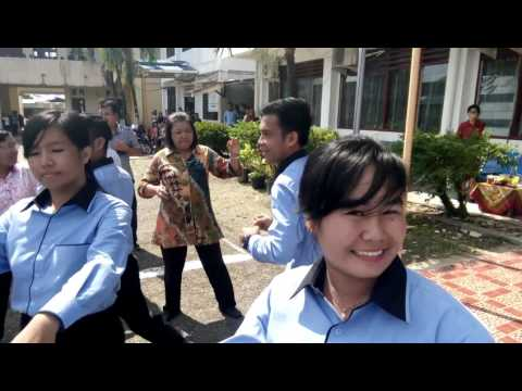 Tari Maena Mahasiswa BK IKIP Gunungsitoli.