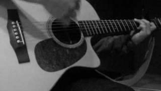 カラオケにギターを持ち込んで歌いました♪ 隣の部屋の音量が異常に大き...