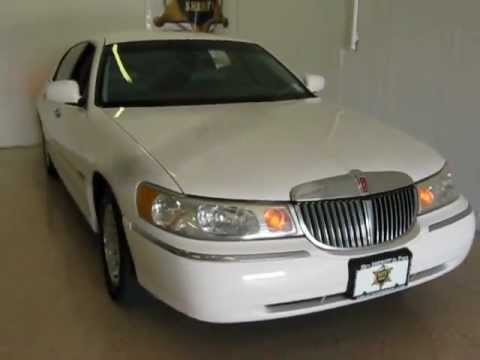 1999 Lincoln Town Car Executive Only 110k Miles