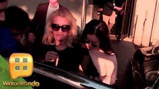 ¡Sarita Sosa y Sara Salazar salen de la funeraria en Miami por la puerta trasera! | Ventaneando