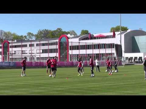 Funny Daniel van Buyten - FC Bayern training 6 vs 2 Götze Rafinha Weiser Pizarro