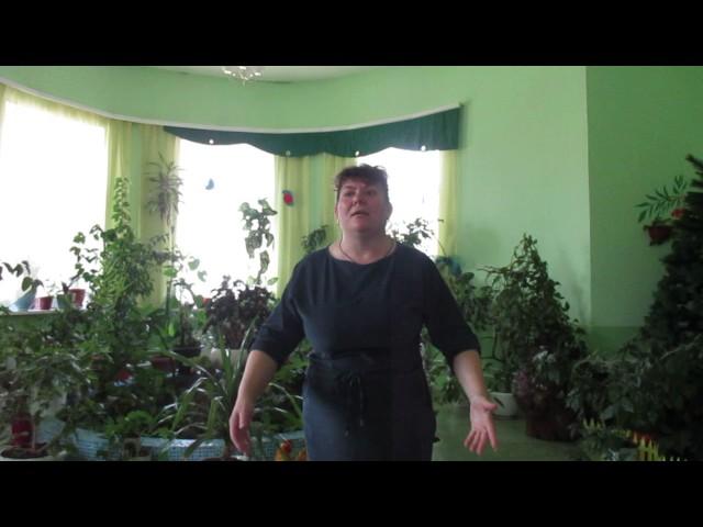 Изображение предпросмотра прочтения – НадеждаЕфимова читает произведение «Враги сожгли родную хату» М.В.Исаковского
