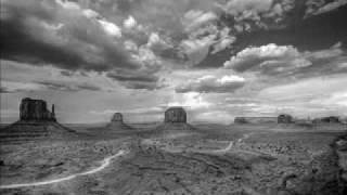 Steve Roach & Kevin Braheny - Desert Walkabout