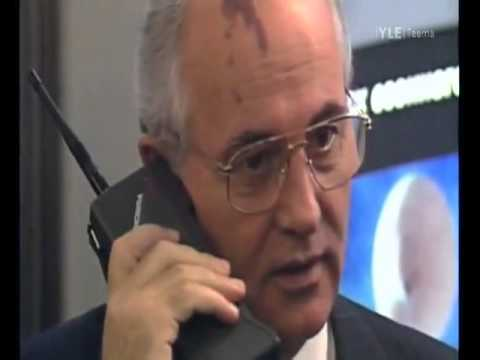 Mikhail Gorbachev Talking On A Nokia Mobira Cityman (Helsinki, 1987)