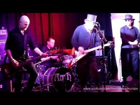 Radio Pravda - 'Pretty Flames' (Live)