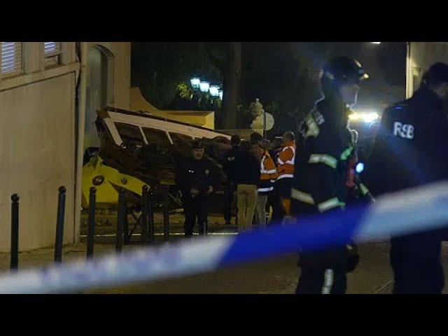 <span class='as_h2'><a href='https://webtv.eklogika.gr/ektrochiastike-tram-sti-lisavona-28-traymaties' target='_blank' title='Εκτροχιάστηκε τραμ στη Λισαβόνα - 28 τραυματίες'>Εκτροχιάστηκε τραμ στη Λισαβόνα - 28 τραυματίες</a></span>