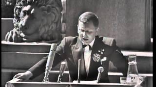 Rolv Wesenlund parodierer kong Olav
