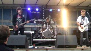 Le chant des cigales-2011-Les noctambules-la vie est dure
