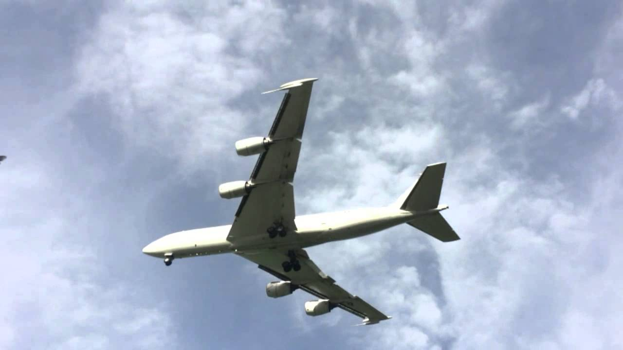 Mysterious Plane Circling Over Denver Was Just An E 6b Mercury Doomsday