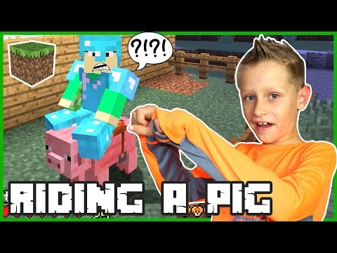 Riding a Pig on My Farm / Minecraft