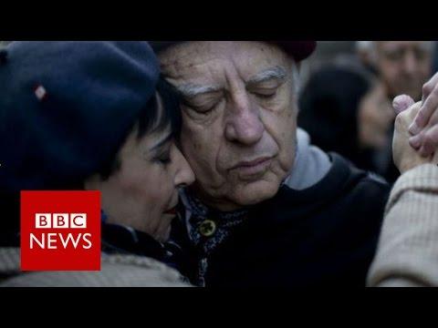 Argentina's energy protestors tango in the street - BBC News