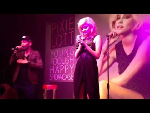 Dancing on my own (Pixie Lott live from Singapore)