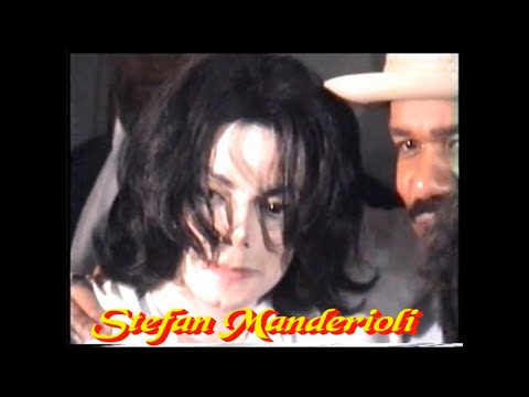 Michael Jackson's Birthday Celebration - Los Angeles 2003