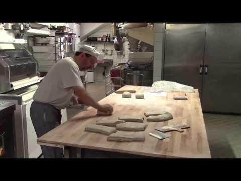 Façonnage Pain Biologique - Boulanger - Boulangerie