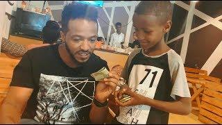 Ethiopia: ህፃኑ ስራውን ለሄኖክ ያስተዋወቀበት ገራሚ መንገድ አሸለመው - Funny Advertising by Kid (Henok wendmu)