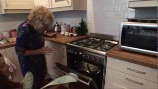 Nanny Pat's Guide To Making A Mince Pie Plait