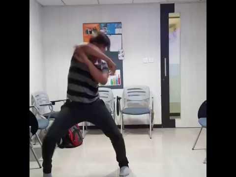 Hrithik Roshan just dance