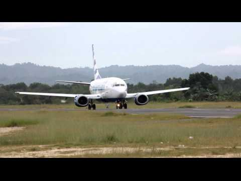 Susi Air PK-VVJ landing and Express Air PK-TXH takeoff at Domine Eduard Osok Airport in Sorong