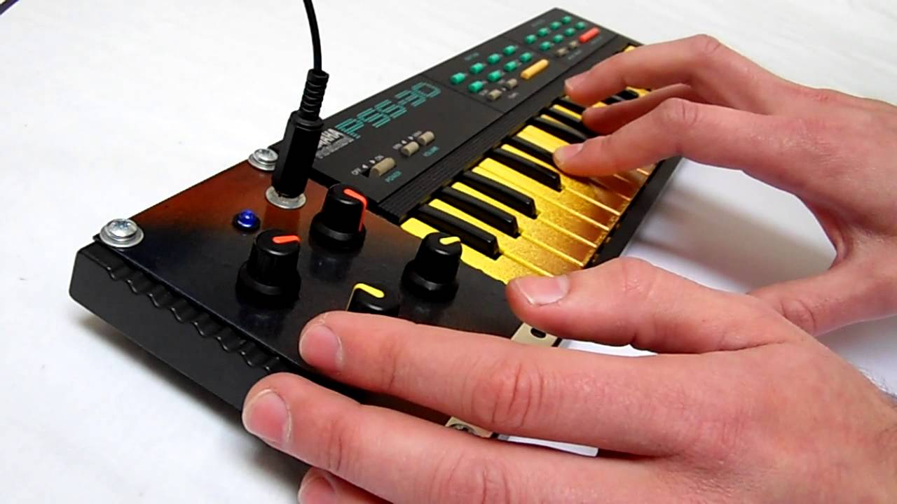 rc circuit bent yamaha pss 30 squarewave mini synthesizer synth keyboard youtube. Black Bedroom Furniture Sets. Home Design Ideas