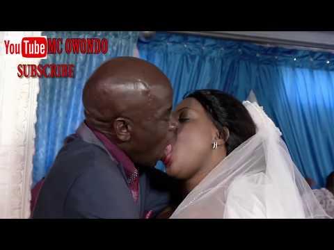 WORST AFRCAN WEDDING KISS - FUNNY AFRICAN KISS thumbnail