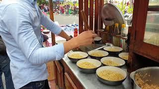 #MieAyam #CFD #Enak   antri banget dan rame banget tukang mie ayam nya tapi enak.
