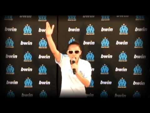 """Karaoke """"Aux armes"""" avec bwin"""