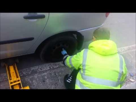 aa breakdown can't open the wheel