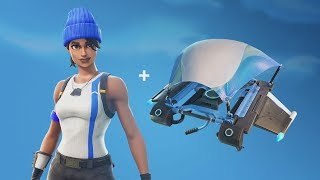 Fortnite Battle Royale: How To Get A FREE Outfit And Glider (Free Blue Team Leader Outfit)